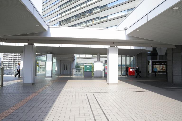 大崎駅の改札を出て、ゲートシティ方面に進みます